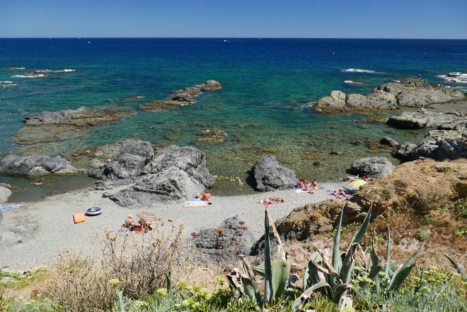 GR11 – 50. ETAPA (23. 8.) – Středozemní moře! Jeden den od dokončení přechodu Pyrenejí!
